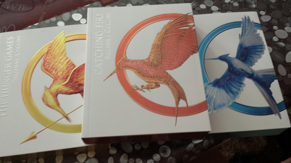 the hunger games trilogy boxed set pdf